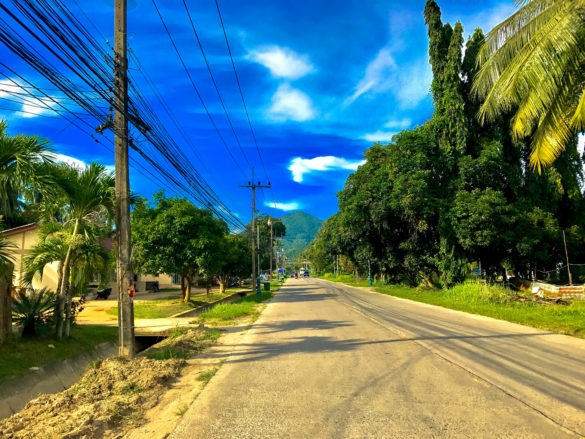 Koh Phangan streets and landscapes can easily convince to rent a bike and get lost